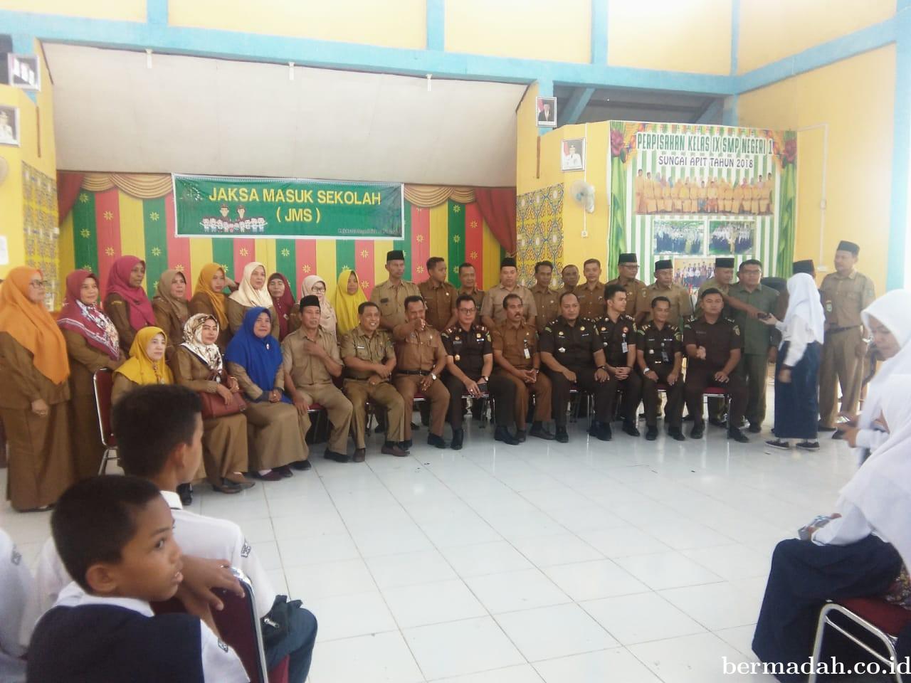 Program Jaksa Masuk Sekolah Oleh Tim JMS di SMP Negeri I Sungai Apit