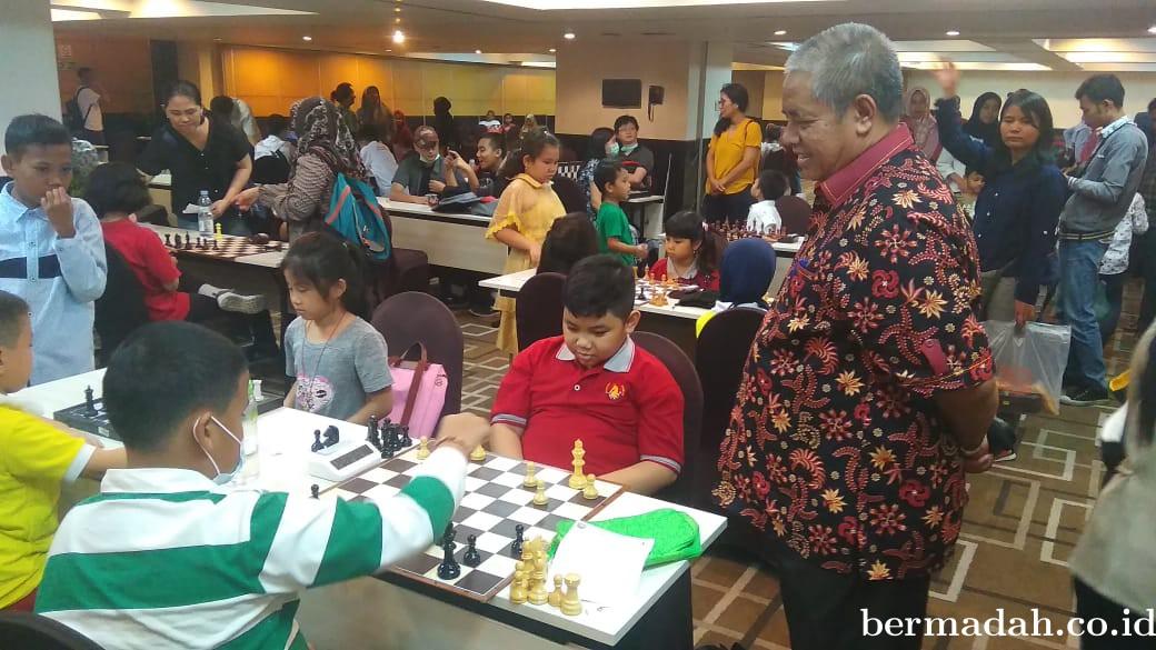 Motivasi Atlet Muda, Ahmad Syah Saksikan Pertandingan Catur Jenjang Usia Dini dan Remaja