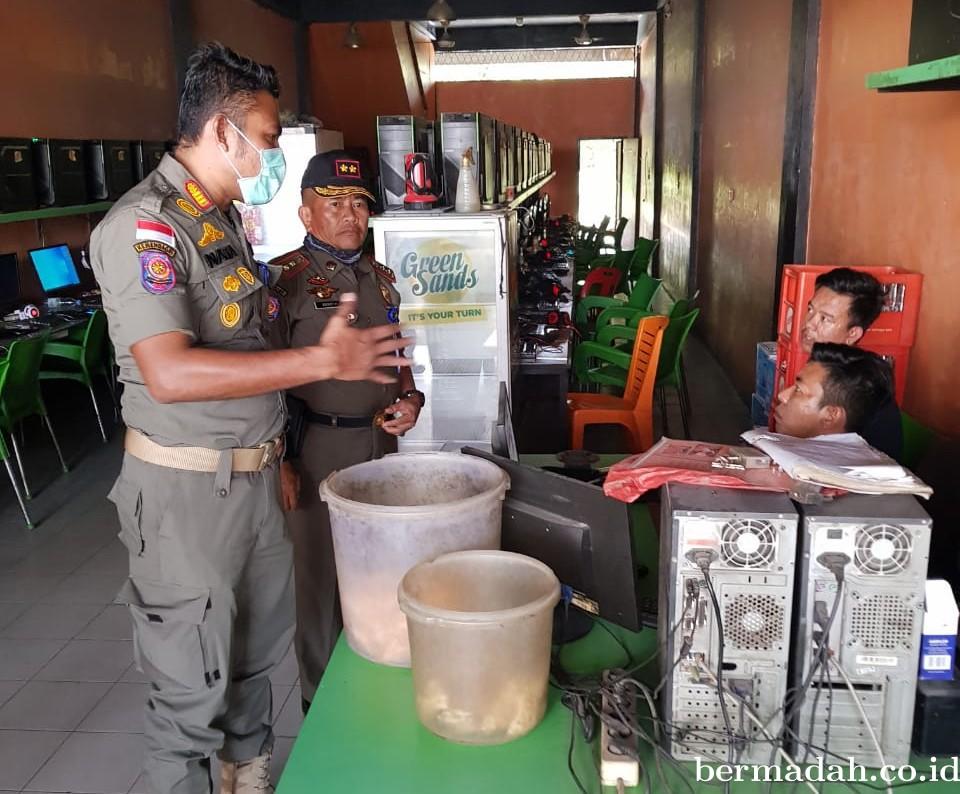 Satpol PP Riau Razia Warnet