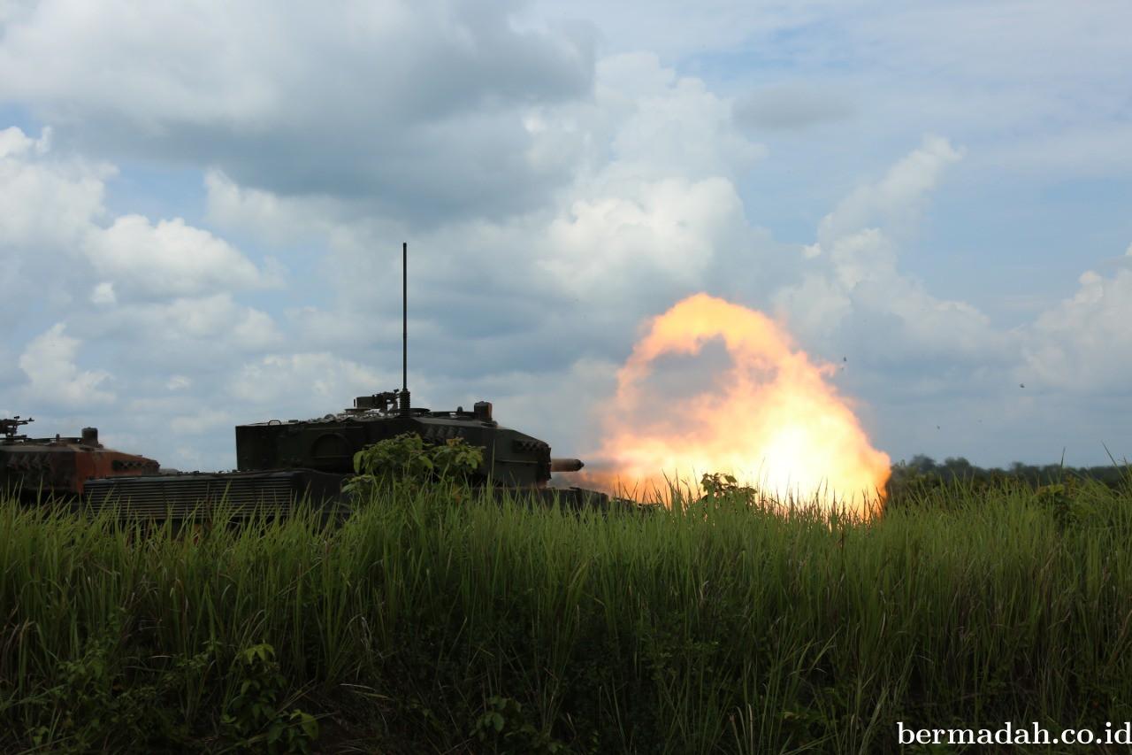 Perkuat Pertahanan, Tank Leopard Yonkav-8 Lancarkan Tembakan