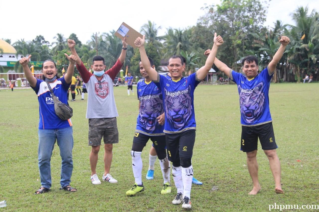 Tim Sepakbola PWI Riau Melaju ke Babak 16 Besar
