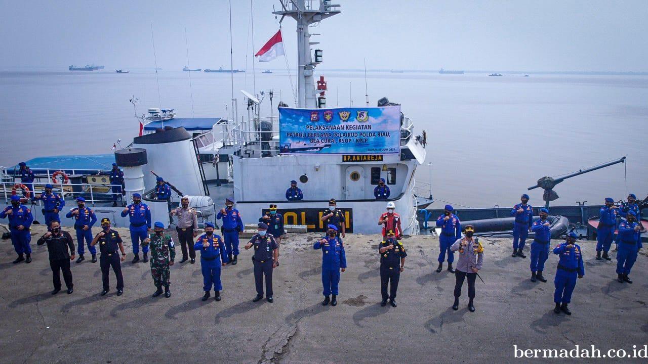 Gelar Patroli Sinergitas Bersama Bea Cukai dan KSOP Dumai, Dirpolair Ajak Masyarakat Disiplin