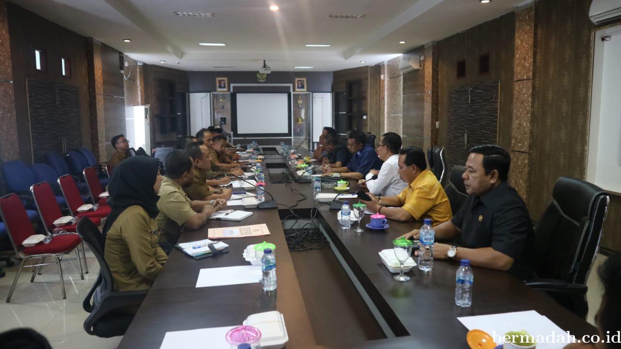 Terkait Genangan Air di Jalan Pramuka, Komisi 2 Panggil Dinas PUPR Meranti