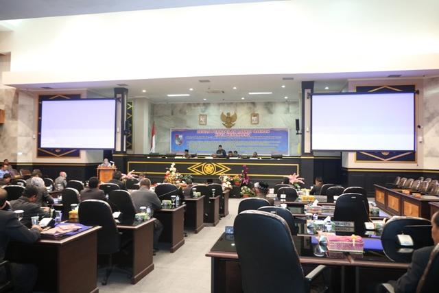ANGGOTA DPRD Pekanbaru menghadiri pengesahan Ranperda PTSP - (Ada 0 foto)