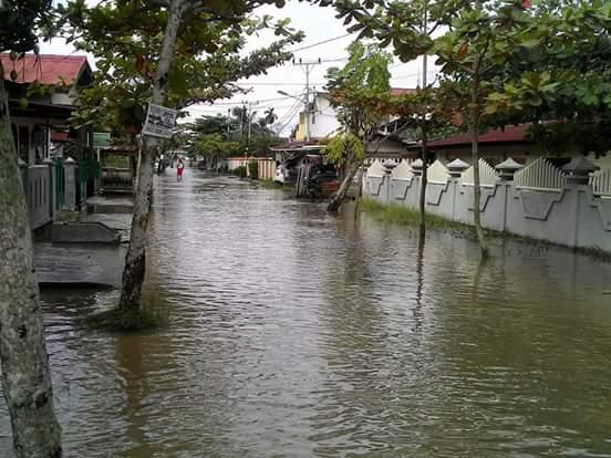 Banjir  - (Ada 0 foto)